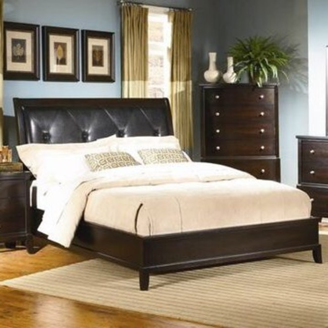 BRAND NEW BLACK TUFTED BEDROOM SET DELIVERY AND ASSEMBLY
