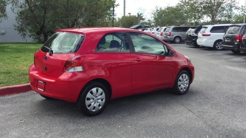 2011 toyota yaris low payments 99 a months 100 guaranteed 305 290 0374 dr for sale in. Black Bedroom Furniture Sets. Home Design Ideas